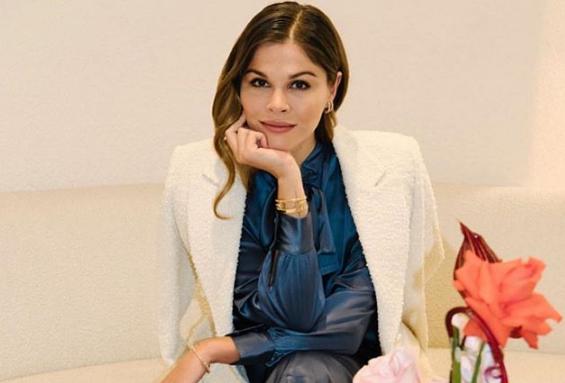 Cô gái biến blog làm đẹp cá nhân thành đế chế tỷ USD vượt mặt công ty mỹ phẩm nổi tiếng của nữ tỷ phú Kylie Jenner - Ảnh 1.