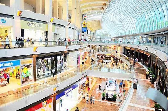 23% người Việt du lịch nước ngoài mua sắm hàng cao cấp - Ảnh 1.