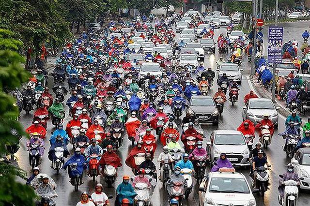 Tiến sĩ Lương Hoài Nam: Hạn chế xe máy phải thực hiện càng sớm càng tốt - Ảnh 1.
