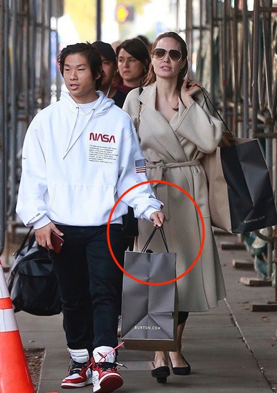 Nhờ hành động đặc biệt này, Pax Thiên là đứa con được Angelina Jolie yêu thương nhất - Ảnh 3.