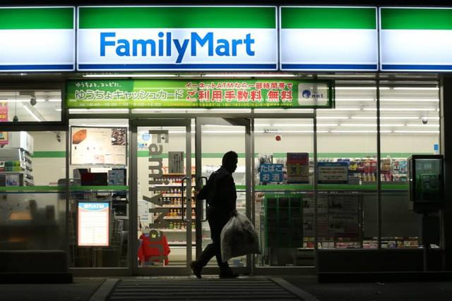 Thách thức khiến mô hình cửa hàng tiện lợi Nhật Bản không thể mở cửa 24/7 - Ảnh 3.