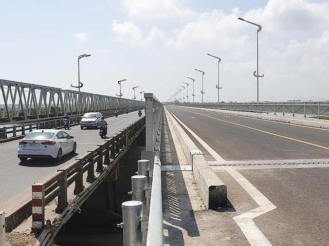 Cầu dài nhất quốc lộ 1 ở miền Trung sắp khánh thành - Ảnh 1.