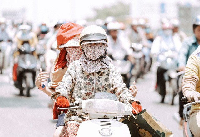 Cảnh báo tia cực tím ở Sài Gòn đang chạm ngưỡng nguy hiểm, có thể gây ung thư da nếu tiếp xúc trực tiếp trong thời gian dài - Ảnh 1.