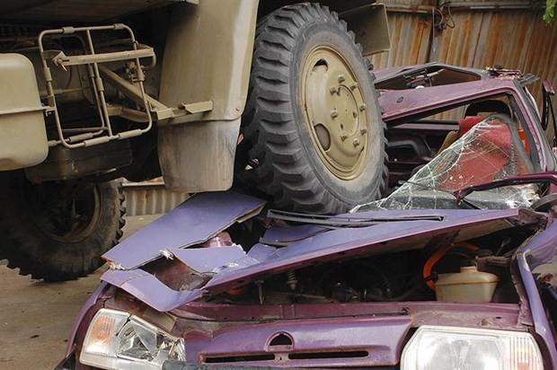 Kinh nghiệm quan trọng để tránh xe tải, xe container an toàn - Ảnh 5.