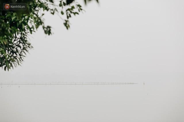 Hà Nội ngập trong màn sương mù mịt bao phủ tầm nhìn: Tình trạng ô nhiễm không khí đáng báo động!  - Ảnh 13.