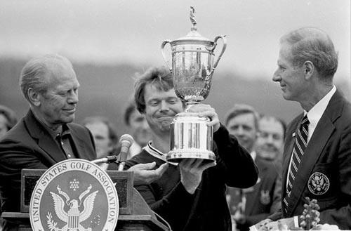 """""""Quái vật làng golf thế giới Tom Watson khiến người đời nể phục vì lòng trung thực của mình: Đừng để đồng tiền làm bạn mờ mắt - Ảnh 1."""