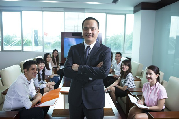 Ông Nguyễn Văn Khoa trở thành tân Tổng giám đốc FPT, thay thế ông Bùi Quang Ngọc - Ảnh 1.