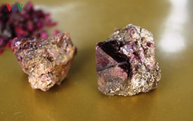 Độc đáo chợ đá quý đất ngọc Yên Bái - Ảnh 9.