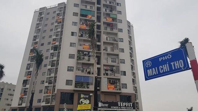 Bị cắt điện nước, dân chung cư rao bán nhà để phản đối - Ảnh 2.