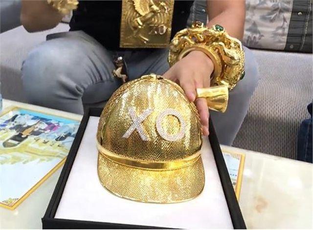 Tại sao đại gia đeo vàng nhiều nhất Việt Nam vừa bị tạm giữ lại lấy biệt danh là Phúc XO? - Ảnh 2.