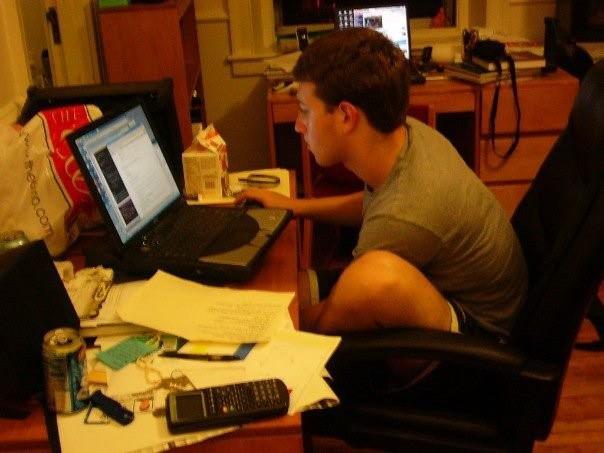 Mark Zuckerberg: Ông hoàng Do Thái mù màu sáng lập nên mạng xã hội Facebook - Ảnh 2.