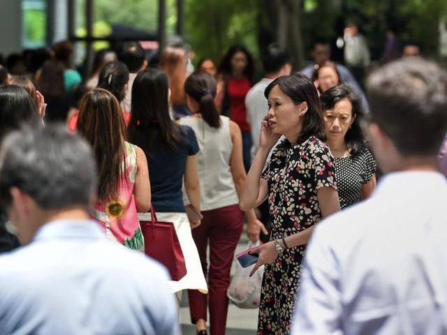 Cuộc sống xa xỉ của giới giàu Singapore - Ảnh 2.
