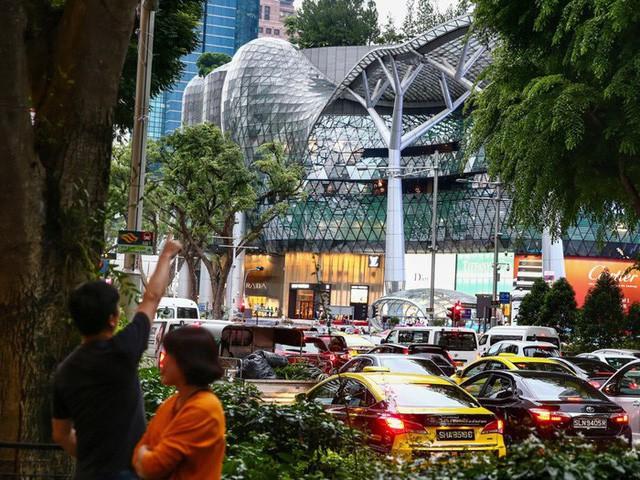 Cuộc sống xa xỉ của giới giàu Singapore - Ảnh 17.