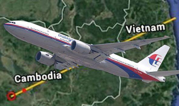 MH370 đã hạ cánh xuống sân bay bí mật có tọa độ là vĩ độ 12.2558, kinh độ 104.5667? - Ảnh 1.