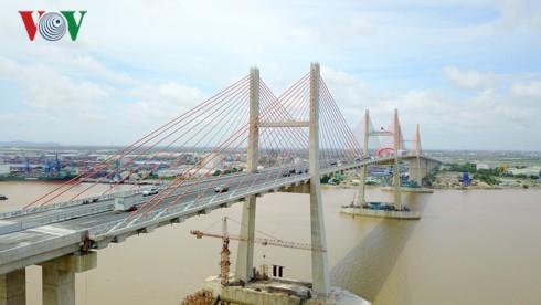 Thu hút đầu tư Quảng Ninh: 1 đồng ngân sách gọi hơn 8 đồng tư nhân - Ảnh 1.