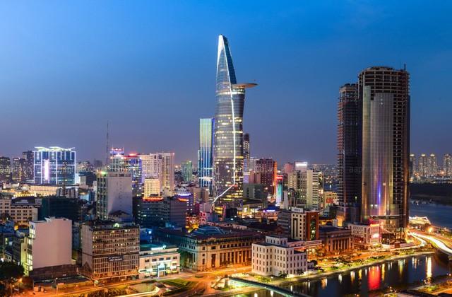 Áp đảo Lotte và AEON, Vingroup sở hữu 1,5 triệu mét vuông bất động sản, chiếm 2/3 thị phần trung tâm thương mại ở Hà Nội và Thành phố Hồ Chí Minh - Ảnh 1.
