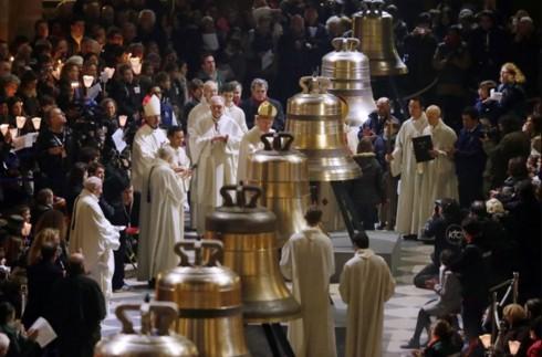 Nhà thờ Đức Bà Paris: 8 thế kỷ thăng trầm trước khi bị lửa dữ nuốt chửng - Ảnh 11.