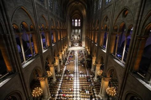 Nhà thờ Đức Bà Paris: 8 thế kỷ thăng trầm trước khi bị lửa dữ nuốt chửng - Ảnh 14.