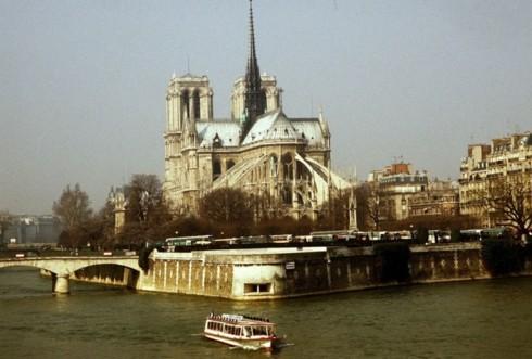 Nhà thờ Đức Bà Paris: 8 thế kỷ thăng trầm trước khi bị lửa dữ nuốt chửng - Ảnh 4.