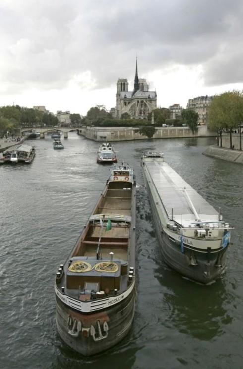 Nhà thờ Đức Bà Paris: 8 thế kỷ thăng trầm trước khi bị lửa dữ nuốt chửng - Ảnh 7.