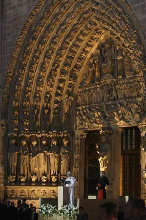 Nhà thờ Đức Bà Paris: 8 thế kỷ thăng trầm trước khi bị lửa dữ nuốt chửng - Ảnh 9.
