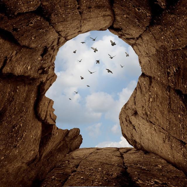 Không dám bước ra khỏi vùng an toàn, bạn đang khiến cuộc sống của chính mình lụi tàn dần: Lựa chọn sự thoải mái, ổn định là chấp nhận cảnh đời tầm thường, muôn đời không có cơ hội thành công - Ảnh 1.
