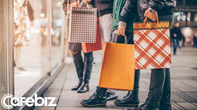 Ngừng vung tiền mua sắm 1 năm, tôi đã đổi đời: Theo các chuyên gia tâm lí, nghiện shopping cũng giống như nghiện đánh bạc và nghiện thuốc - Ảnh 2.