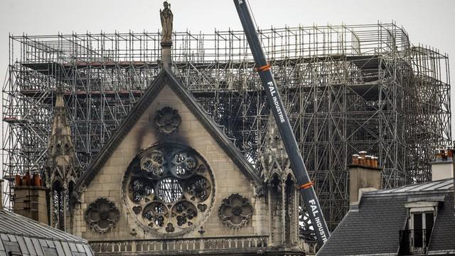 Điều tra nguyên nhân hỏa hoạn Nhà thờ Đức Bà Paris:Tiết lộ thêm nhiều manh mối mới - Ảnh 1.