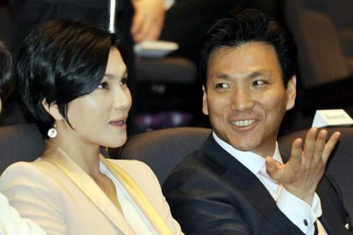 Tình yêu sét đánh của ái nữ Samsung và cậu út tờ báo danh tiếng Hàn Quốc mở ra cuộc hôn nhân viên mãn đến khó tin gần 2 thập kỷ - Ảnh 6.