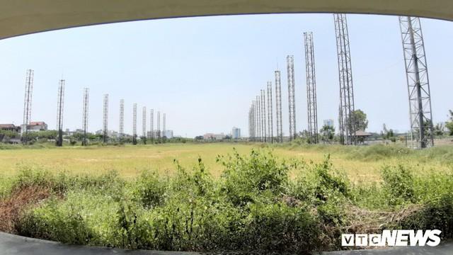 Sân golf gần 25 tỷ đồng bị bỏ hoang giữa lòng Đà Nẵng - Ảnh 1.