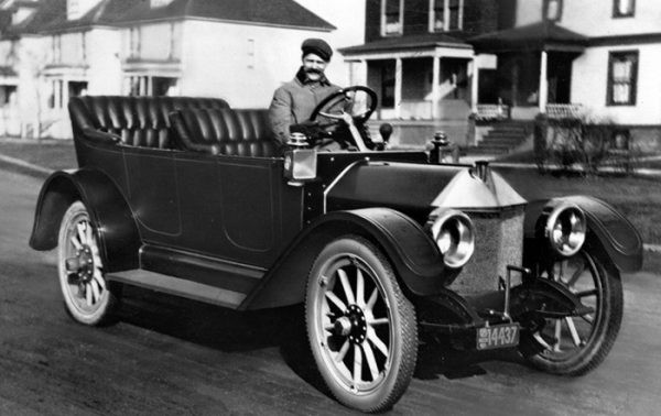 Cuộc đời bi kịch của nhà sáng lập hãng xe Chevrolet: Làm thợ cơ khí tại chính công ty mình sáng lập, ra đi trong phá sản và lãng quên - Ảnh 1.