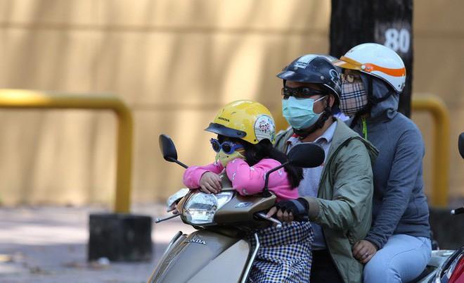 Báo Mỹ xác nhận Việt Nam vừa đạt mốc nhiệt độ kỷ lục, mới tháng Tư mà đã nóng 43 độ C - Ảnh 2.