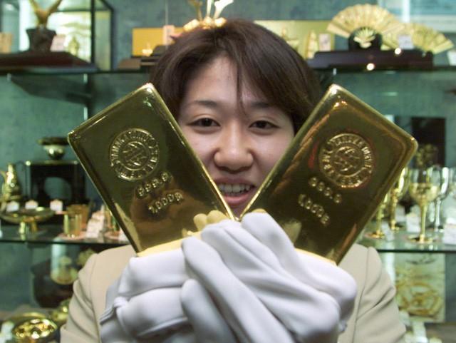 10 nước dự trữ vàng nhiều nhất thế giới - Ảnh 3.