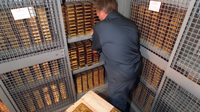 10 nước dự trữ vàng nhiều nhất thế giới - Ảnh 4.
