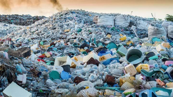 vứt rác đúng chỗ - photo 2 15560692268191853929460 - Video hé lộ sự thật về tái chế rác nhựa: Thì ra việc vứt rác đúng chỗ thôi là chưa đủ