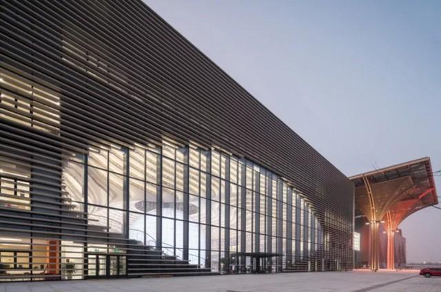 """thư viện tân hải - photo 11 15562483194561253504153 - Choáng ngợp với vẻ đẹp của thư viện """"quốc dân"""" lớn nhất Trung Quốc: Hoành tráng đến mức nhìn không thua gì phim trường!"""