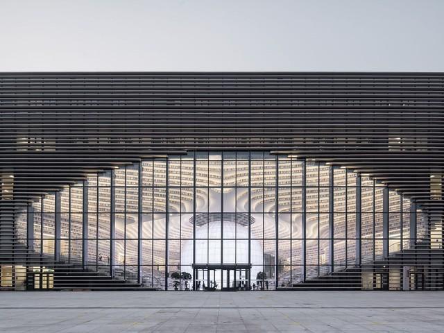 """thư viện tân hải - photo 4 15562483194421413070714 - Choáng ngợp với vẻ đẹp của thư viện """"quốc dân"""" lớn nhất Trung Quốc: Hoành tráng đến mức nhìn không thua gì phim trường!"""
