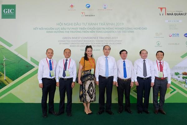 Lần đầu tiên ở Việt Nam, ra mắt mô hình dịch vụ hỗ trợ nông dân khép kín: từ khâu chuẩn bị đất, cây giống đến thu hoạch đều được kiểm soát bằng AI - Ảnh 1.