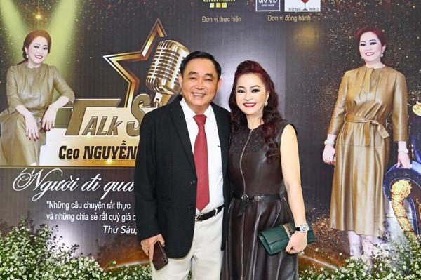 Đại gia Việt tặng vợ xe hơi 40 tỷ, trang sức 70 tỷ, nhưng vẫn khẳng định Nó không là gì so với điều cô ấy mang đến cho tôi - Ảnh 1.