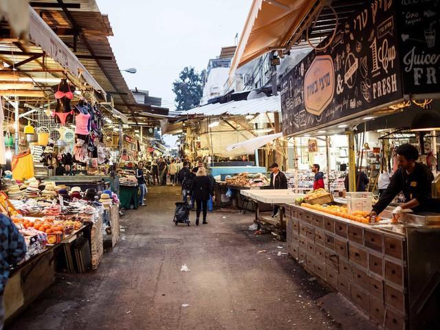 Cuộc sống của giới siêu giàu tại nơi đắt đỏ bậc nhất ở Trung Đông - Ảnh 1.