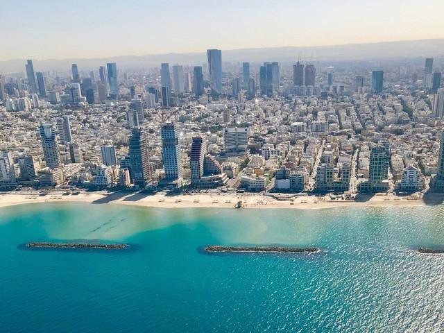 Cuộc sống của giới siêu giàu tại nơi đắt đỏ bậc nhất ở Trung Đông - Ảnh 2.