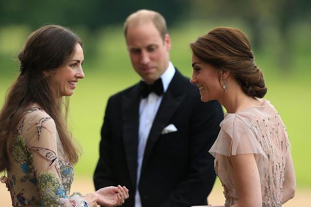Trước tin chồng ngoại tình với bạn thân của mình, Công nương Kate đã lựa chọn cách giải quyết này khiến ai cũng gật gù đồng tình - Ảnh 1.