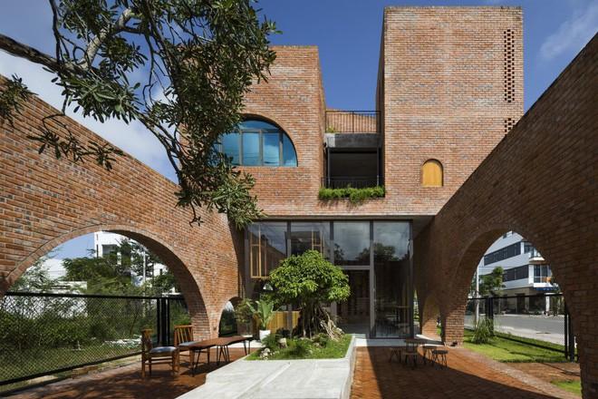 """căn nhà gạch như tổ chim đậu trên cành cây - photo 10 15542622498141260339113 - Độc đáo căn nhà gạch như """"tổ chim đậu trên cành cây"""" tại Đà Nẵng"""