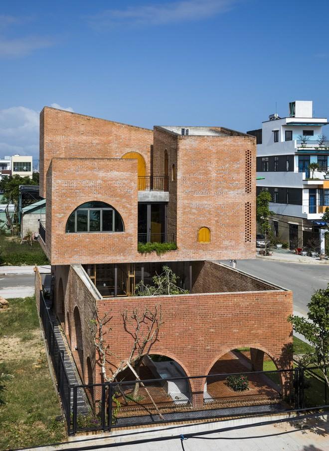"""căn nhà gạch như tổ chim đậu trên cành cây - photo 3 1554262249794837060851 - Độc đáo căn nhà gạch như """"tổ chim đậu trên cành cây"""" tại Đà Nẵng"""