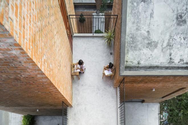 """căn nhà gạch như tổ chim đậu trên cành cây - photo 9 15542622498102105849560 - Độc đáo căn nhà gạch như """"tổ chim đậu trên cành cây"""" tại Đà Nẵng"""