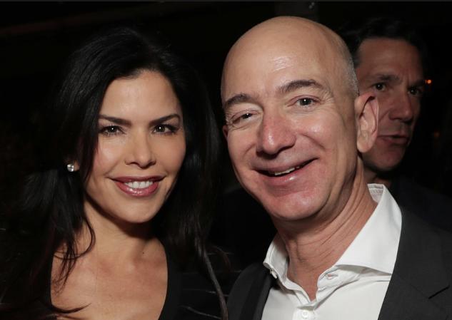 Tỷ phú Jeff Bezos biết ơn vợ cũ vì đồng ý với tỷ lệ cổ phiếu 75:25 và nhường lại quyền bỏ phiếu tại Amazon, Blue Origin - Ảnh 4.
