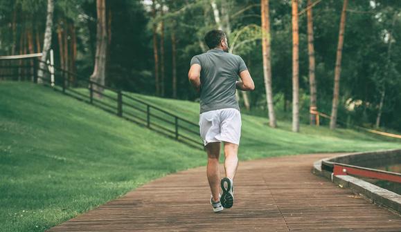 Chuyên gia khẳng định đi bộ là bài tập tốt nhất cho cả sức khỏe và tâm trí: Mỗi bước chân là liều thuốc bổ giúp bạn hạnh phúc hơn, năng động, khỏe mạnh hơn - Ảnh 3.