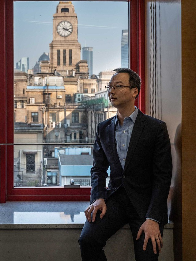 Đầu tư chứng khoán sẽ mang về nhiều tiền hơn, nhưng người đàn ông 37 tuổi này quyết tâm đặt cược với canh bạc thị trường nợ 13 nghìn tỷ USD của Trung Quốc  - Ảnh 1.