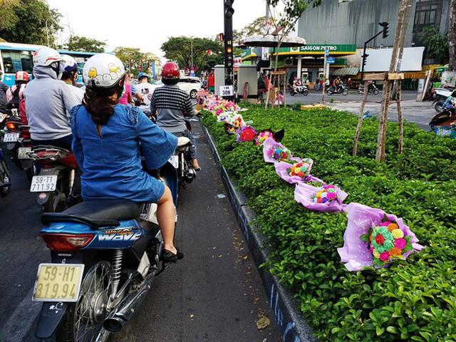 Dân Sài Gòn bất an sau vụ cả chục người bị đâm trên đường phải điều trị phơi nhiễm HIV - Ảnh 1.