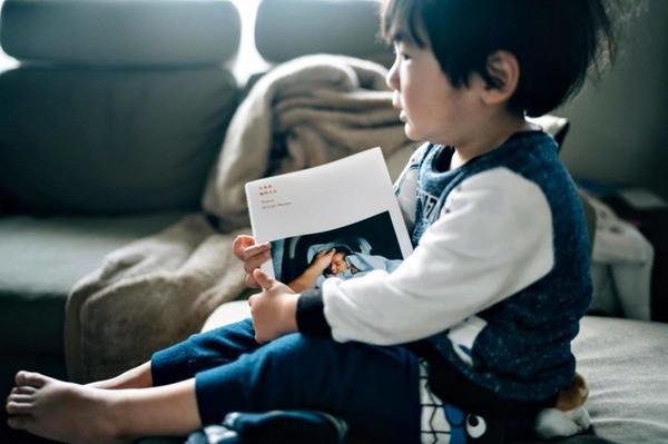 Bộ ảnh em bé Nhật Bản đáng yêu làm tan chảy người xem, thế nhưng lại ẩn chứa câu chuyện cảm động đầy nước mắt đằng sau - Ảnh 17.